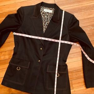 Tahari Jackets & Coats - Tahari Arthur Levine charcoal blazer 8